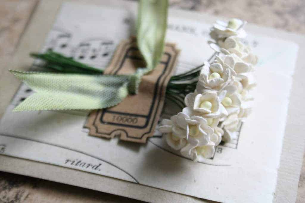 handmade-weddings-how-to-style-a-romantic-winter-wedding-cream-paper-blossoms.full[1]